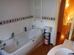 Villa  Signori  : Bagno con vasca