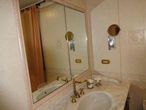 Villa Tranquilla : Ванная комната с душем