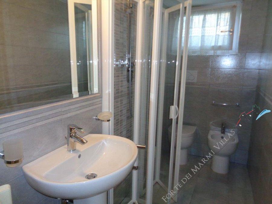 Villa Sissi  : Bathroom with shower
