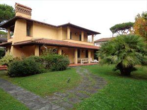 Villa Sassicaia: Detached villa Forte dei Marmi