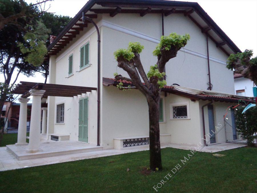 Villa  Dei Pini  semi detached villa for sale Forte dei Marmi