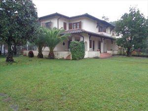 Villa Claudia: Detached villa Forte dei Marmi