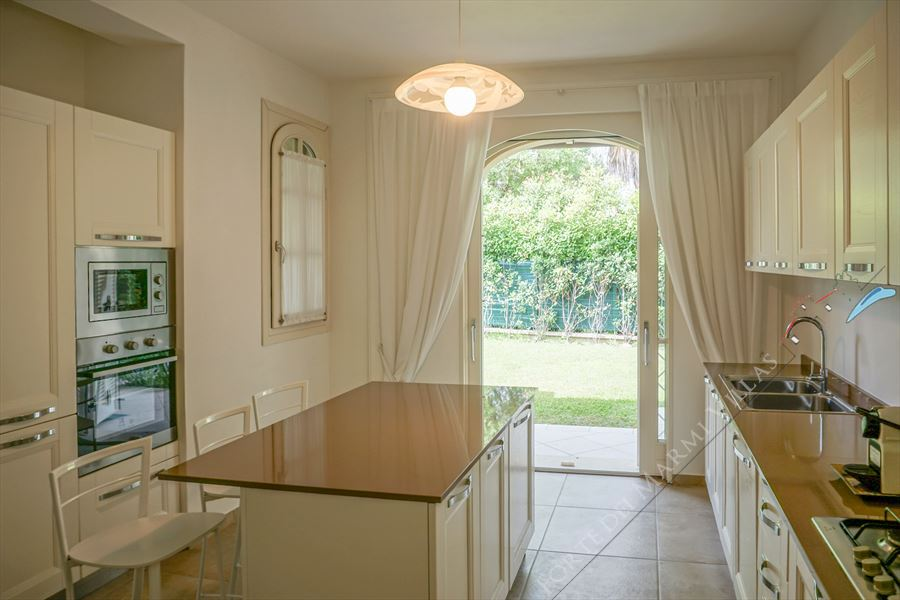 Villa Afrodite : Kitchen