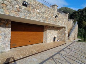 Villa Romanica  : Parking space