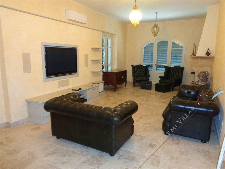 Villa Romanica  : Living Room