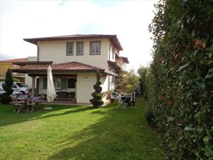 Villa Capriccio  : Semi detached villa Camaiore