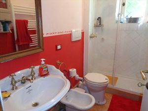 villa  Pontile  : Bathroom with shower