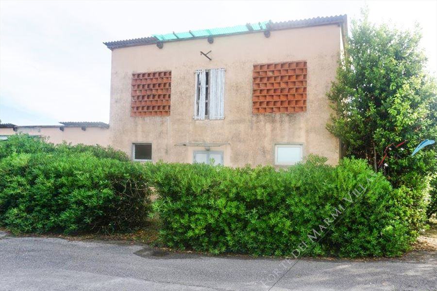 Rustici Lido di Camaiore detached villa for sale Lido di Camaiore