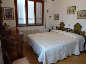 Villa dei Pittori  : спальня с двуспальной кроватью