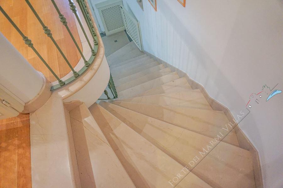Villa  Allegra : Marble stairs