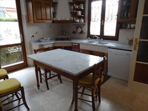 Villa  Milvia  : Kitchen