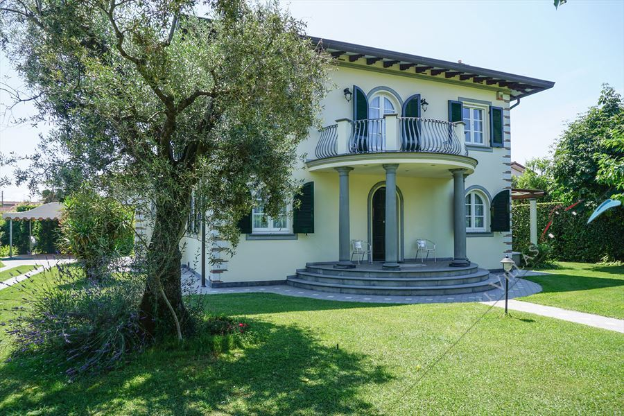 Villa  Allegra : Outside view