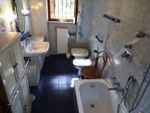 Villa Ciliegia : Bagno con vasca