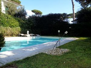 Villa  Acqua : Outside view