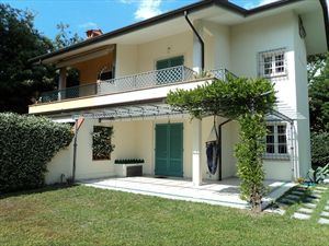 Villa White : Semi detached villa Forte dei Marmi
