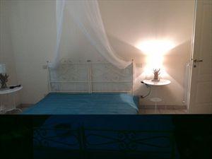 Villa White  : спальня с двуспальной кроватью