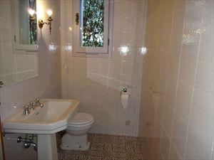 Villa dei Gelsomini  : Bathroom with tube