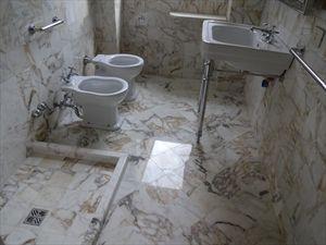 Villa dei Gelsomini  : Bagno con doccia