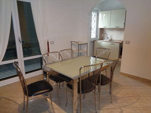 Appartamento Giardino : Столовая