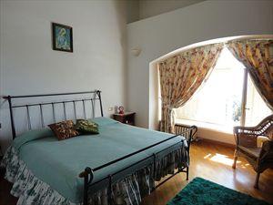 Villa Scirocco : Camera matrimoniale