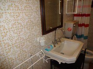 Villetta  Borghese   : Bagno con doccia