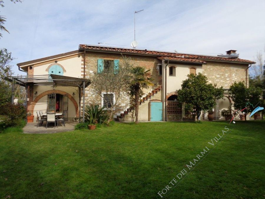 Villa Casolare  Azzurro Marina di Pietrasanta