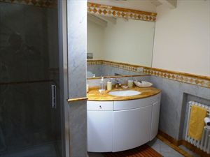 Appartamento Vista Mare  : Bathroom with shower