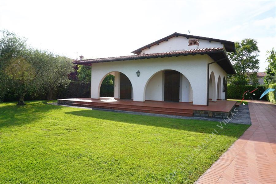 Villa Maria Forte detached villa to rent and for sale Forte dei Marmi