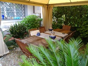 Villa Roberta  : terraced villa to rent  Forte dei Marmi