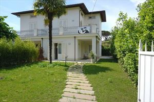 Villa Decor  : semi detached villa to rent and for sale Vittoria Apuana Forte dei Marmi