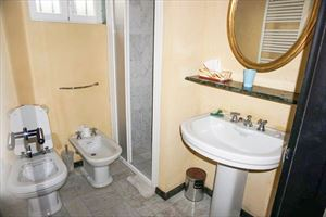 Villina Frontemare : Bathroom with shower