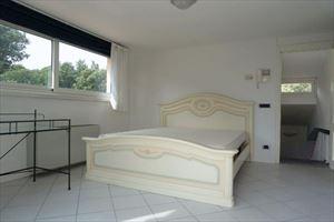 Villa Fiumetto : спальня с двуспальной кроватью