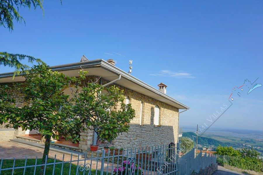 Villa Panoramica detached villa for sale Massarosa