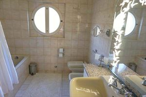 Villa Helene : Bagno con vasca