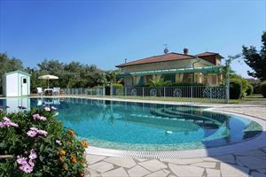 Villa Divina: Detached villa for sale Forte dei Marmi