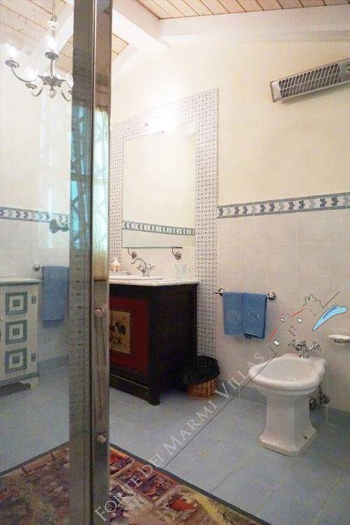 Villa Divina : Bathroom with shower