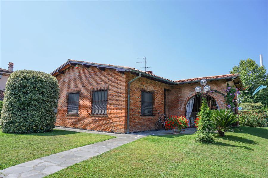 Villa Cesare - Detached villa Forte dei Marmi