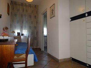Villa Agnelli  : спальня с односпальной кроватью
