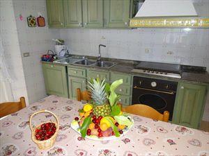 Villa degli Angeli : Kitchen