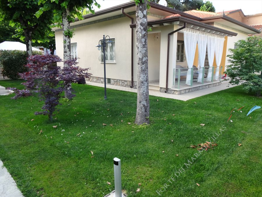 Villa degli Angeli villa singola in affitto Forte dei Marmi