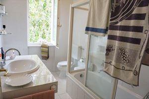 Villa Magnolia : Bagno con doccia