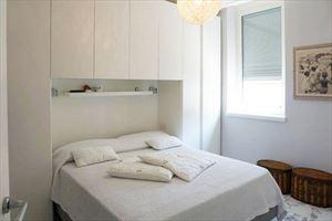 Appartamento Midho : спальня с двуспальной кроватью