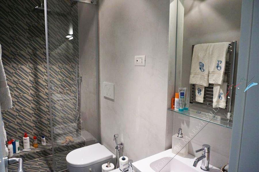 Appartamento Midho : Bagno con doccia
