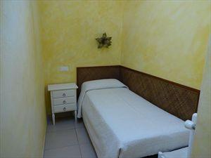 Villetta Fronte Mare  : спальня с односпальной кроватью