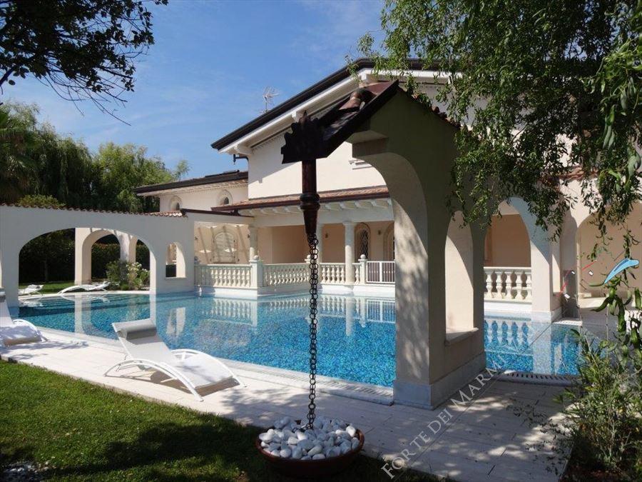 Villa Azzurra  : Outside view