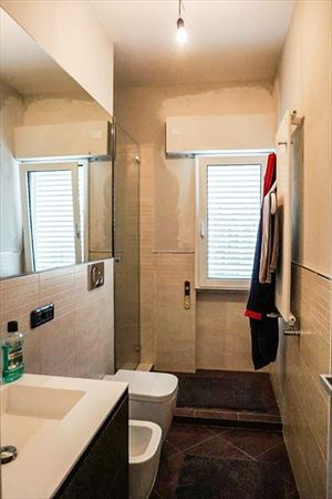 Villa Betulla : Bathroom with shower