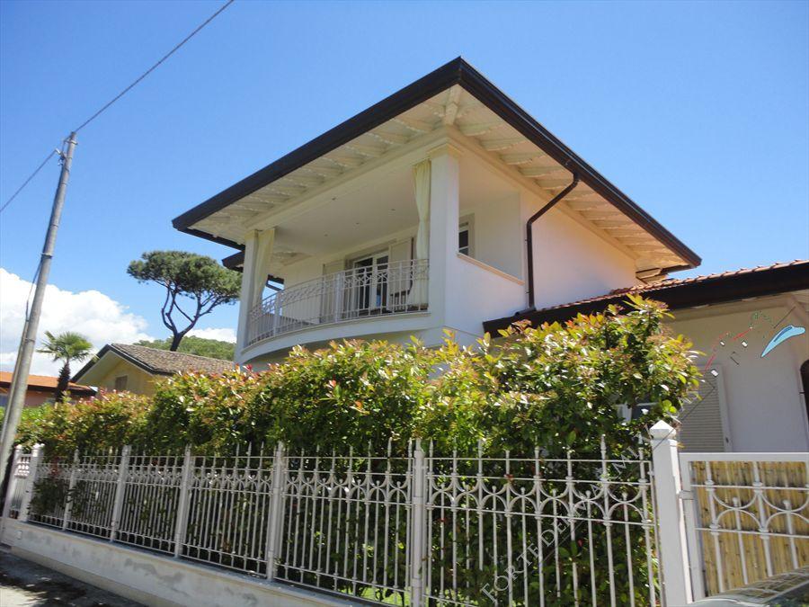 Villa  Arcobaleno  - Detached villa Forte dei Marmi