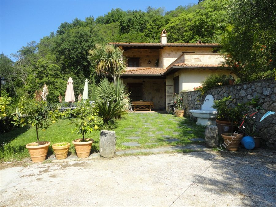 Villa Volare detached villa to rent Camaiore