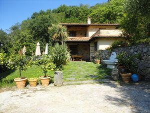 Villa Volare: Detached villa Camaiore