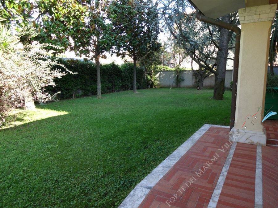 Villa  Liberty Pietrasanta  : Vista esterna